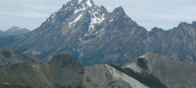 Earl Peak: The Cascades Laid Out Below You