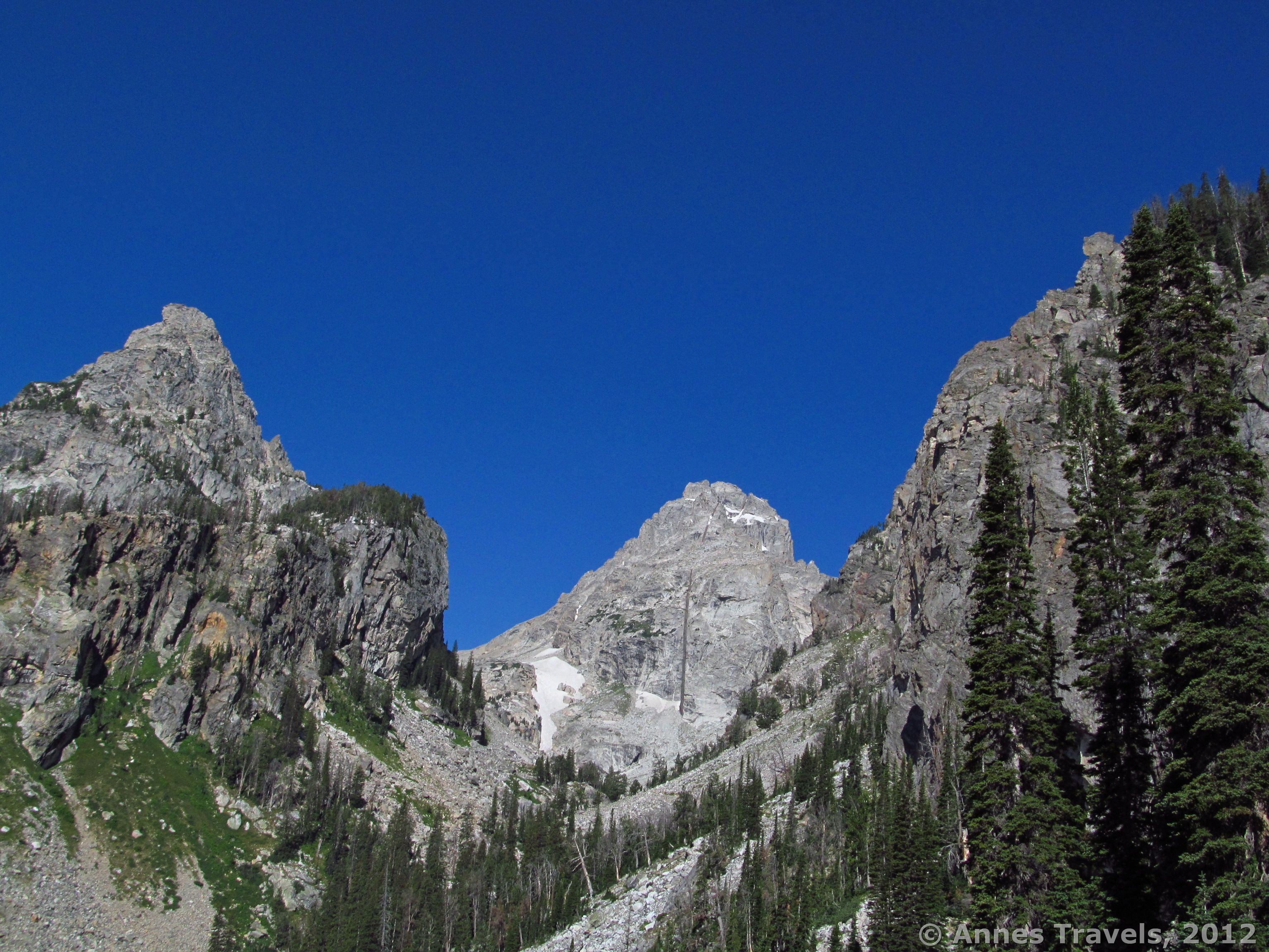 spectacular garnet canyon and the lower saddle