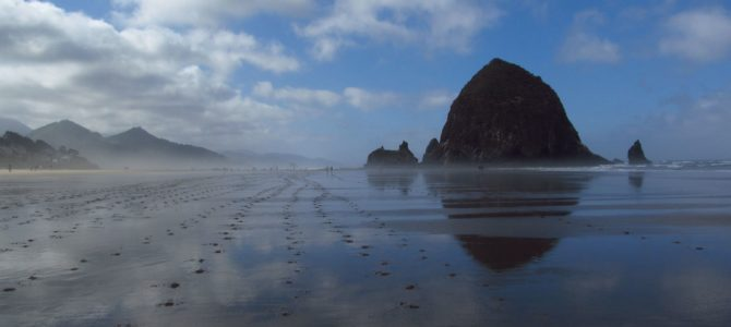 Hiking Cannon Beach to Haystack Rock